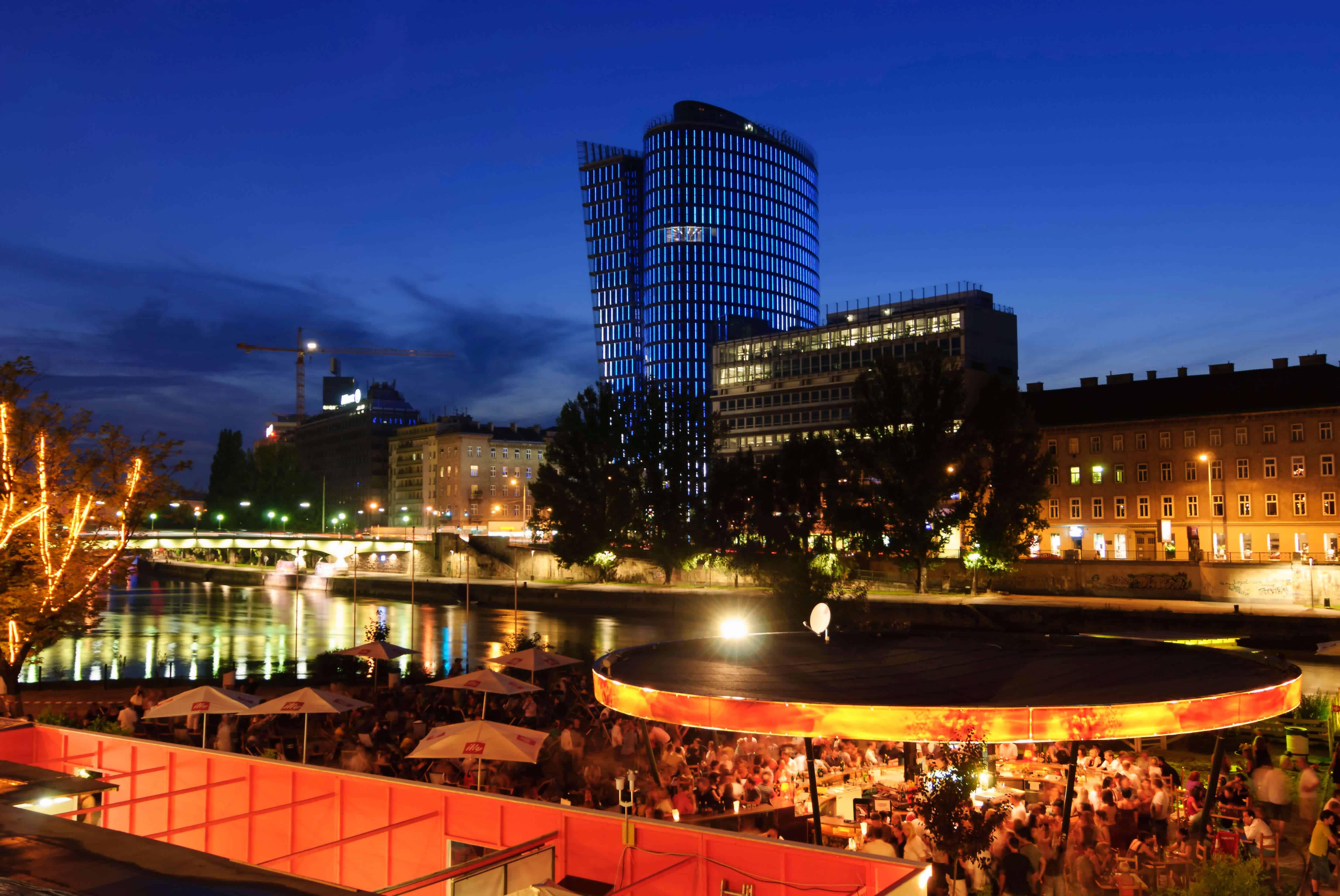 Strandbar Herrmann am Donaukanal