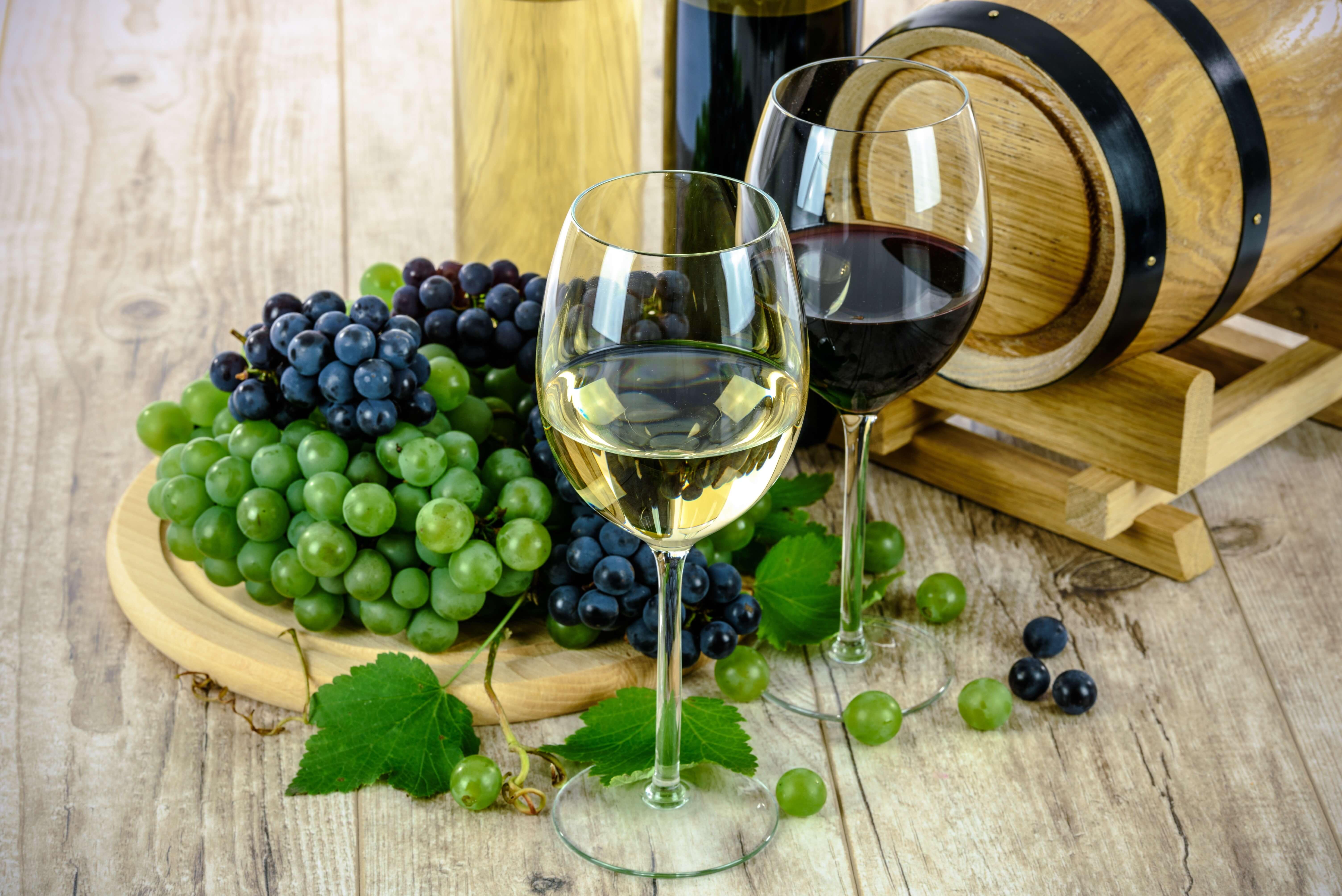 Wein mit Trauben