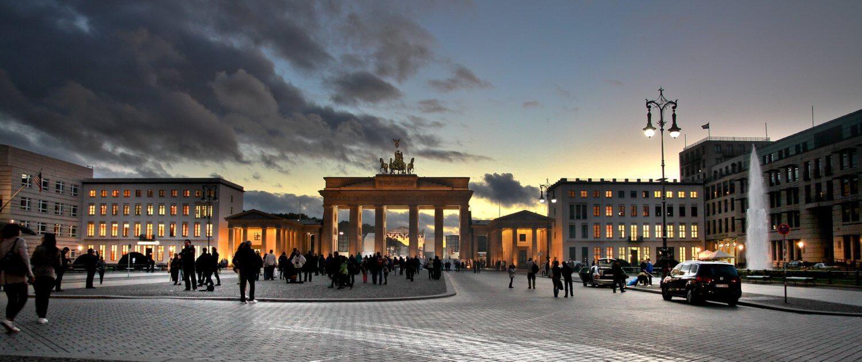 Aussicht auf das Brandenburger Tor vom Pariser Platz aus.
