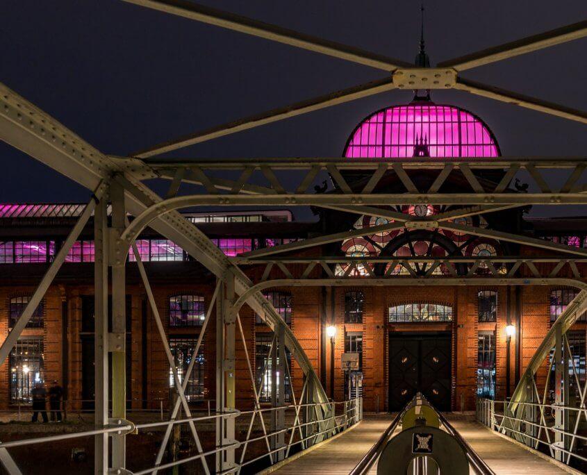 Fischauktionshalle Hamburg bei Nacht
