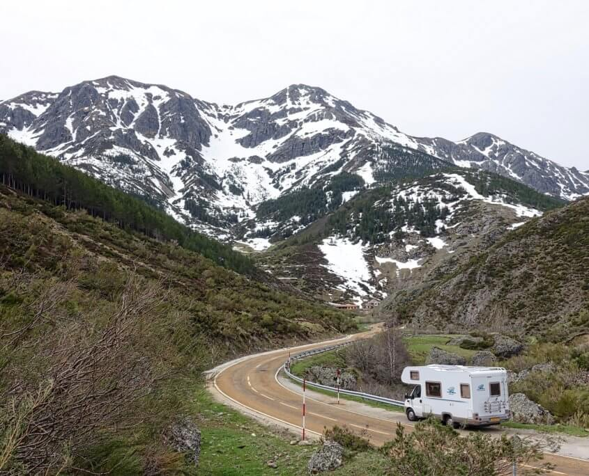 Wohnmobil in den Bergen