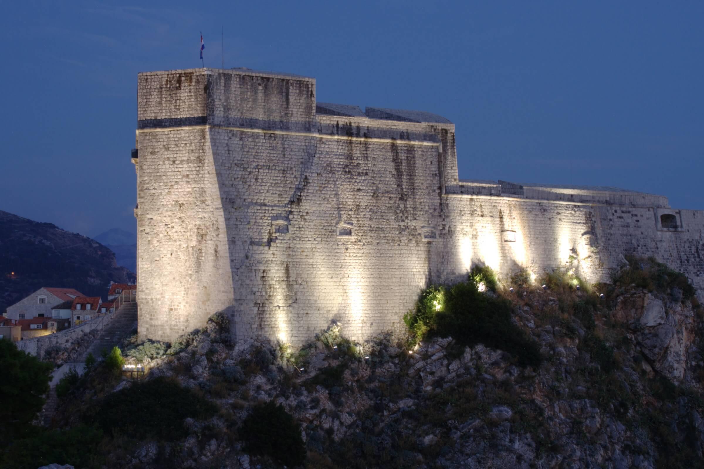 Kroatien Sehenswürdigkeiten Roter Bergfried