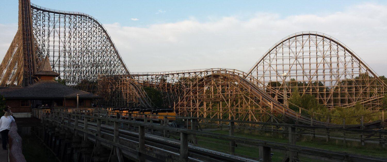 Holzachterbahn Colossos Roller Coaster im HeidePark