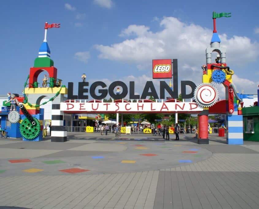 Eingang zum Legoland Deutschland