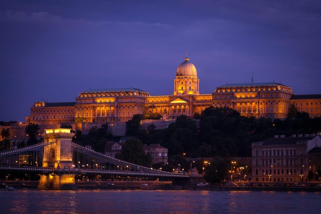 Budapest Burgpalast bei Nacht