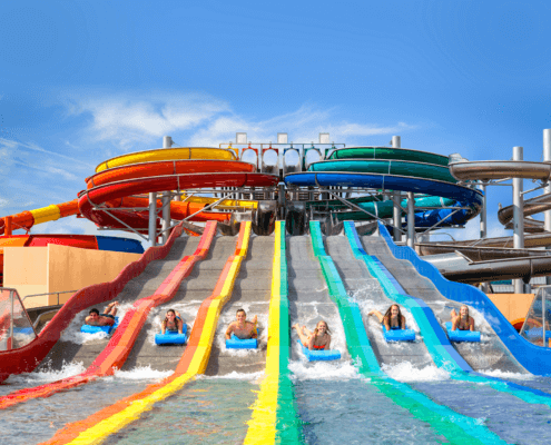 Rutschduell im GALAXY-ERDING auf der Sommerrutsche Rainbow Racer