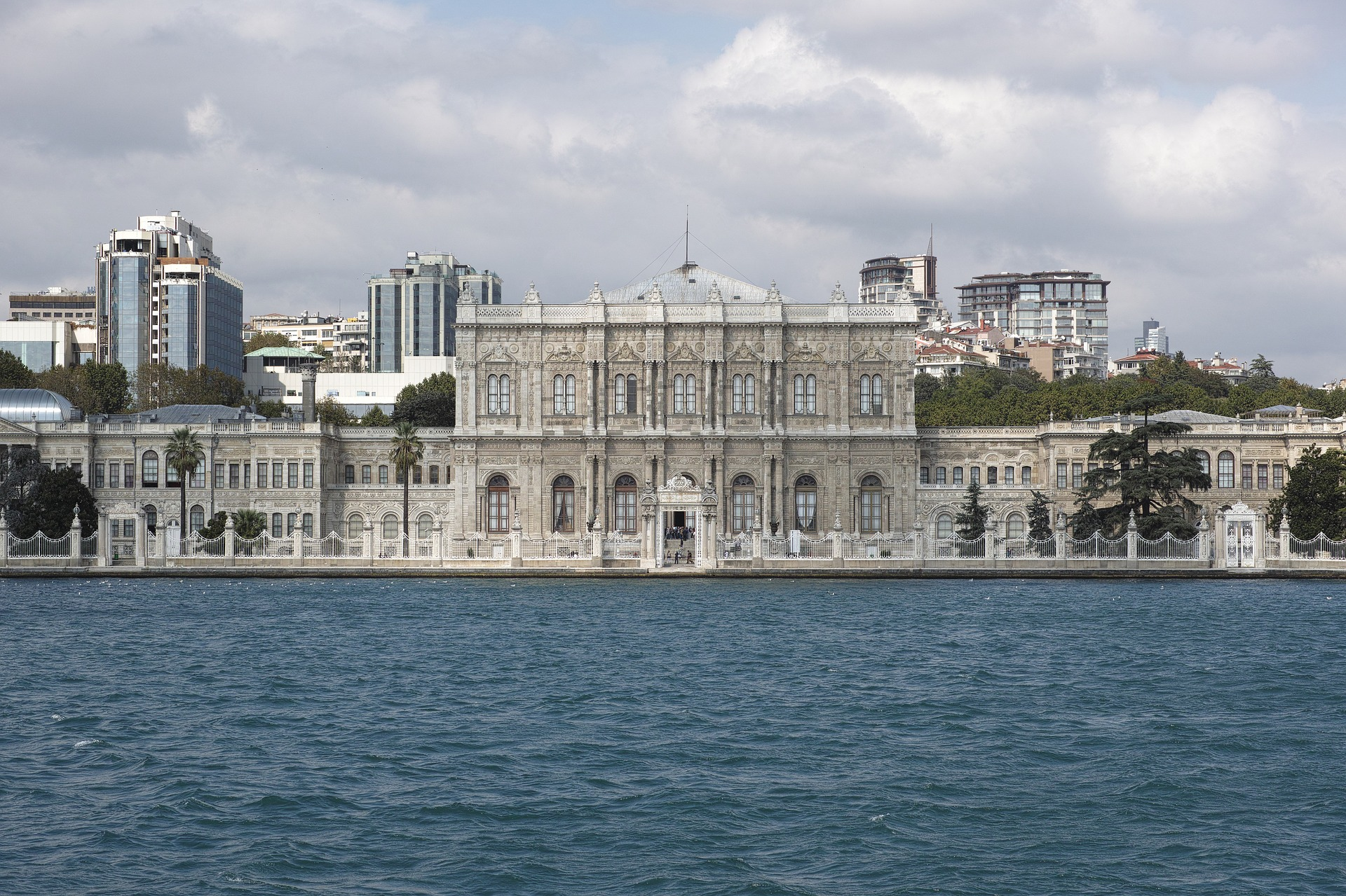 Istanbul Sehenswürdigkeiten: Dolmabahce-Palast