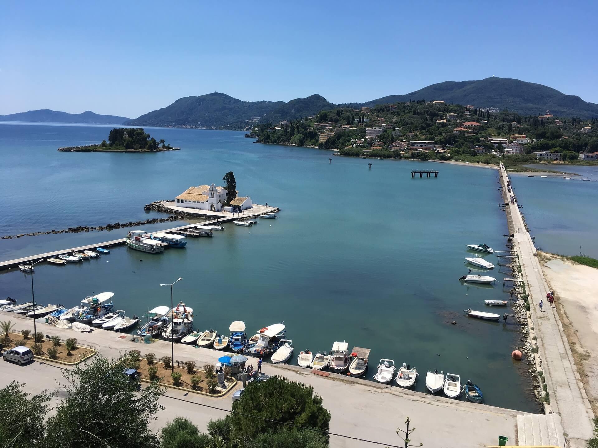 Korfu Sehenswürdigkeiten Hafen Korfu