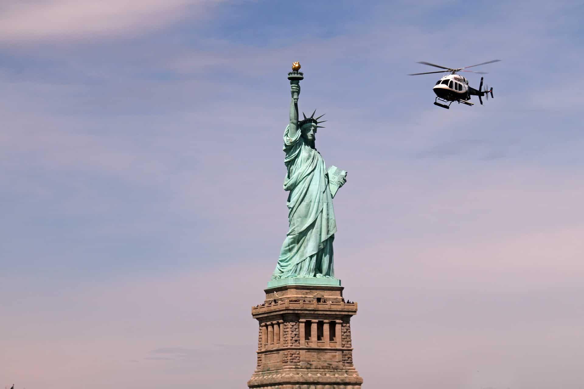 Helikopterflug Freiheitsstatue