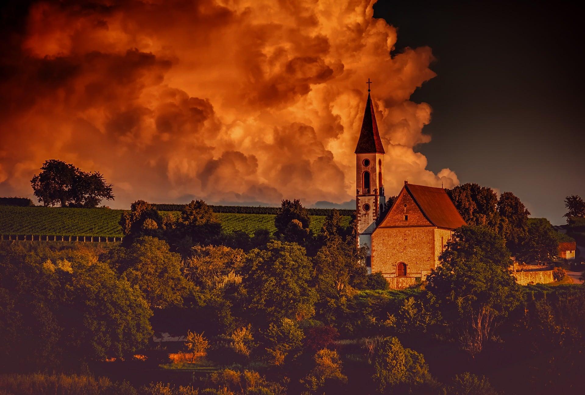 Kirchen in Deutschland, Älteste Kirche Deutschlands Größte Kirche Deutschlands