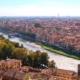 Verona Italien Blick auf die Stadt und den Fluss von oben
