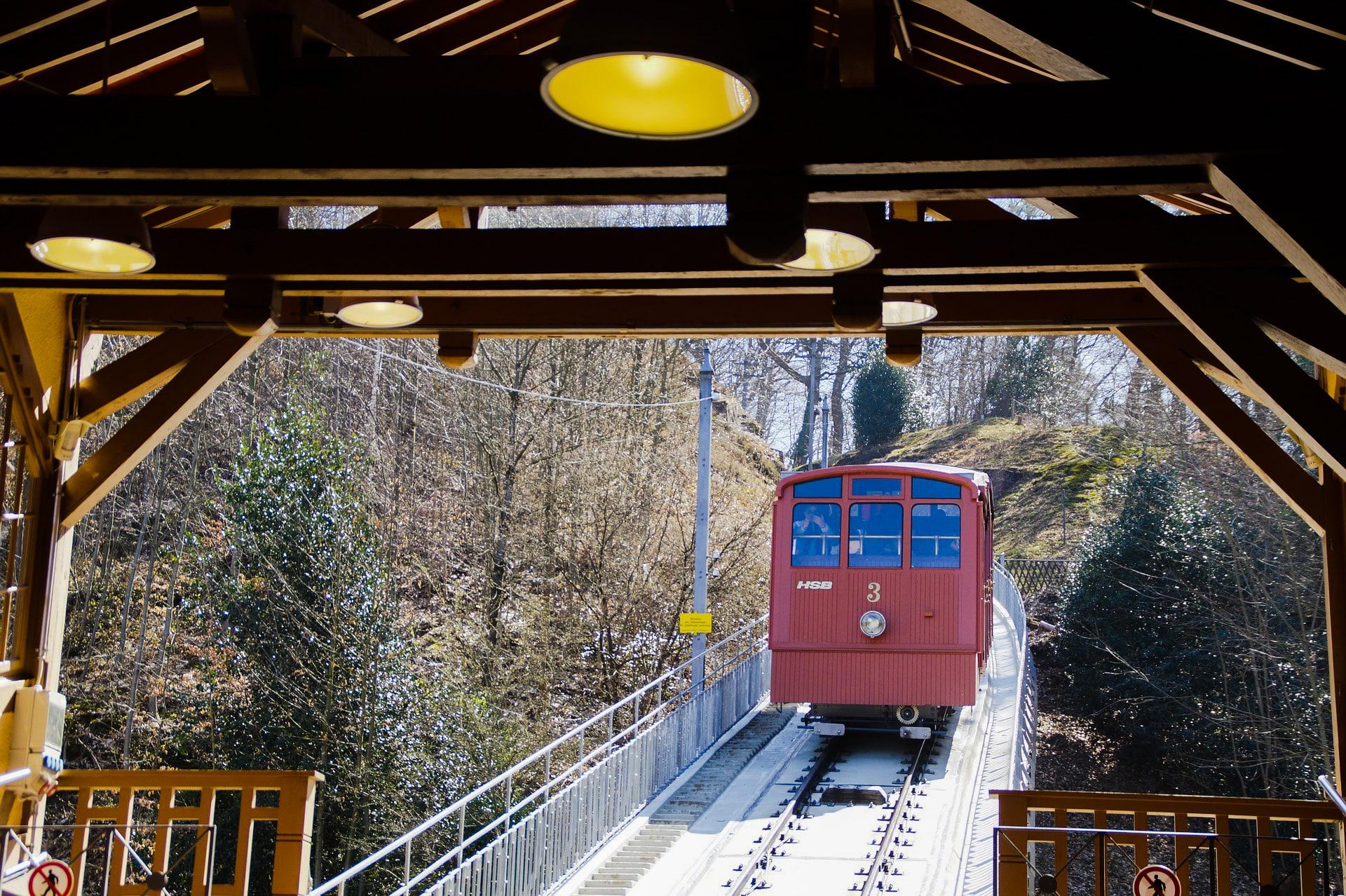 Heidelberg Sehenswürdigkeiten Bergbahn Königstuhl Auffahrt Gipfel