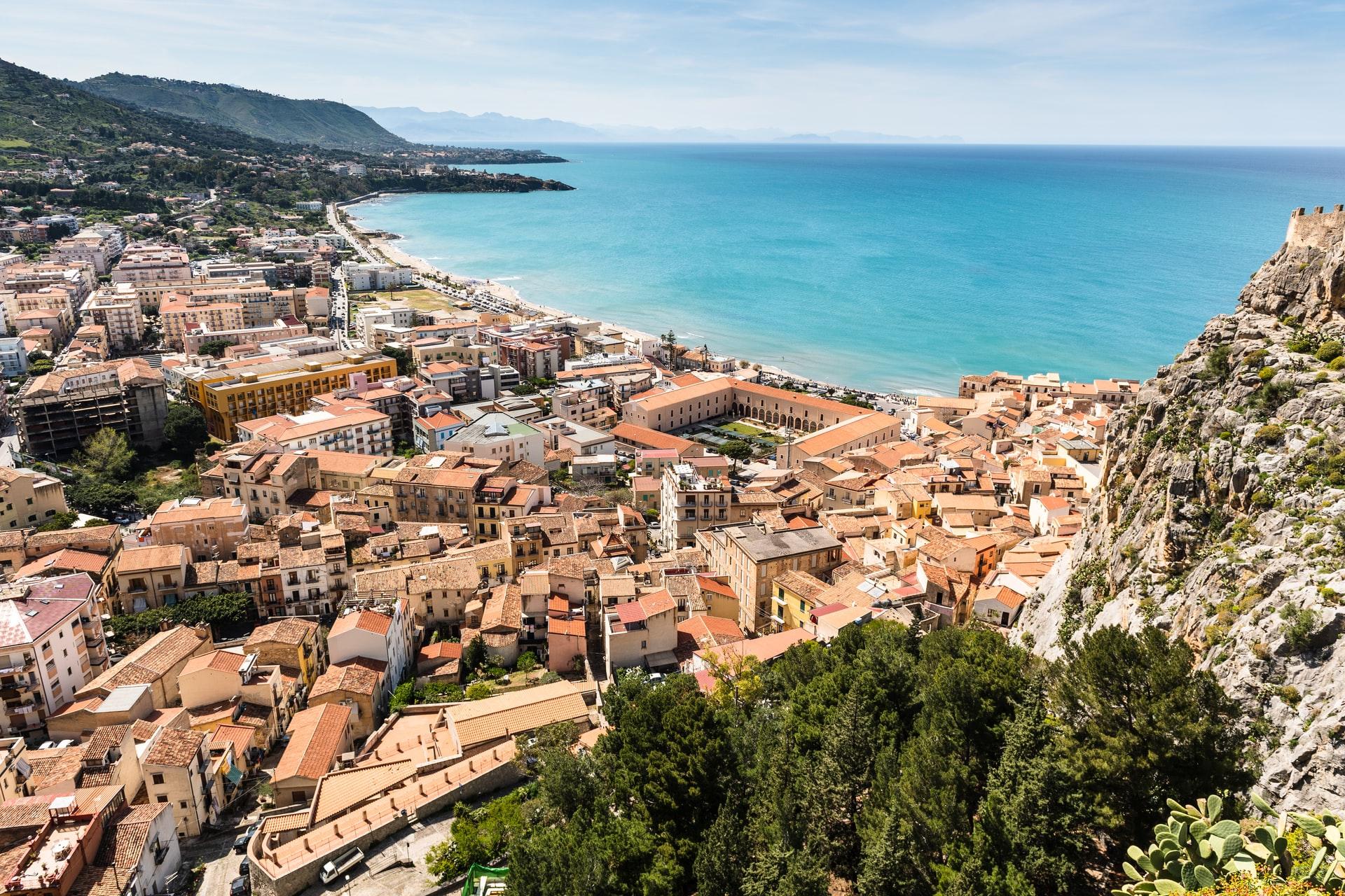 Cefalu Sizilien Italien