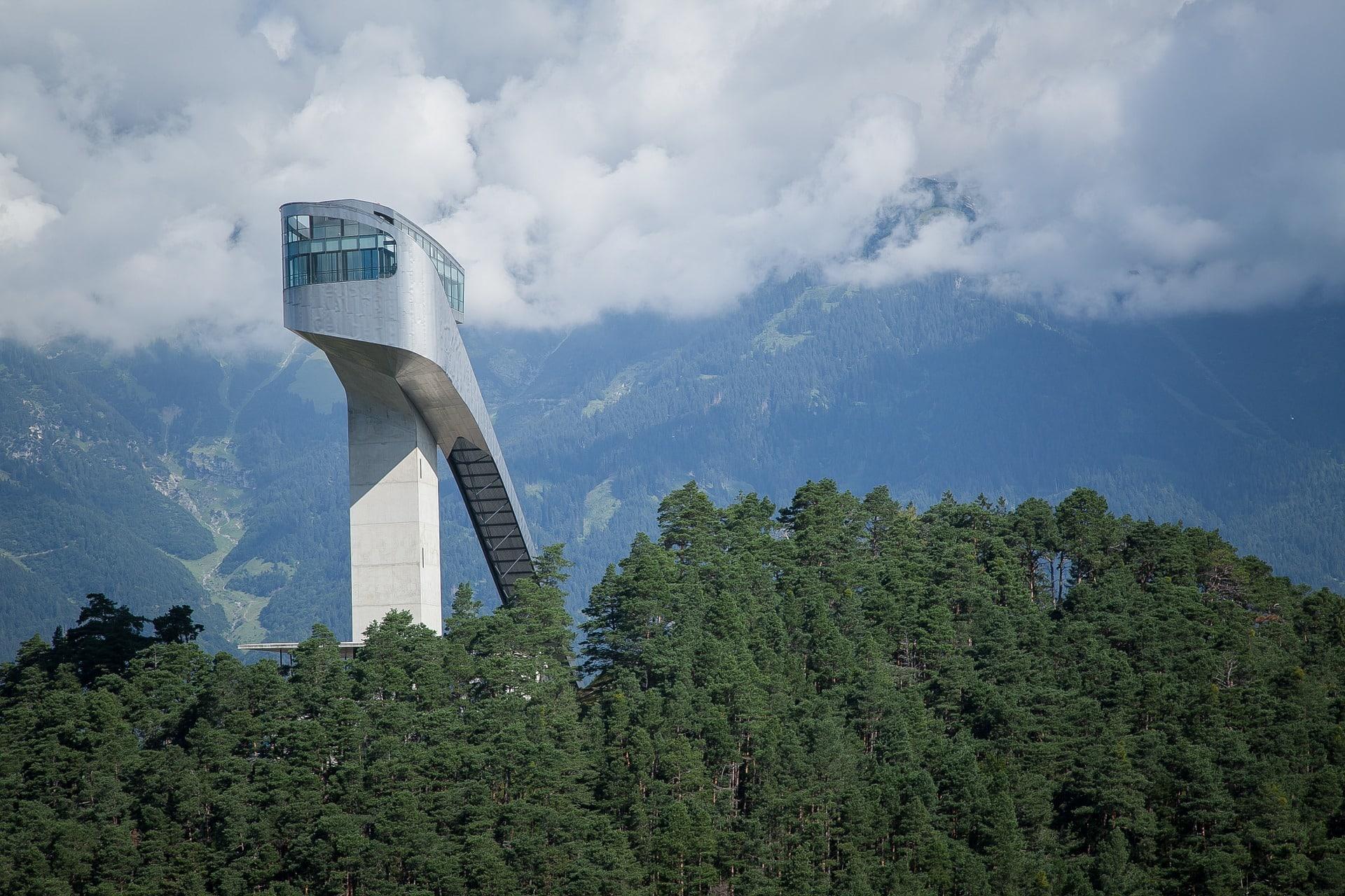 Moderne Skisprungschanze Innsbruck