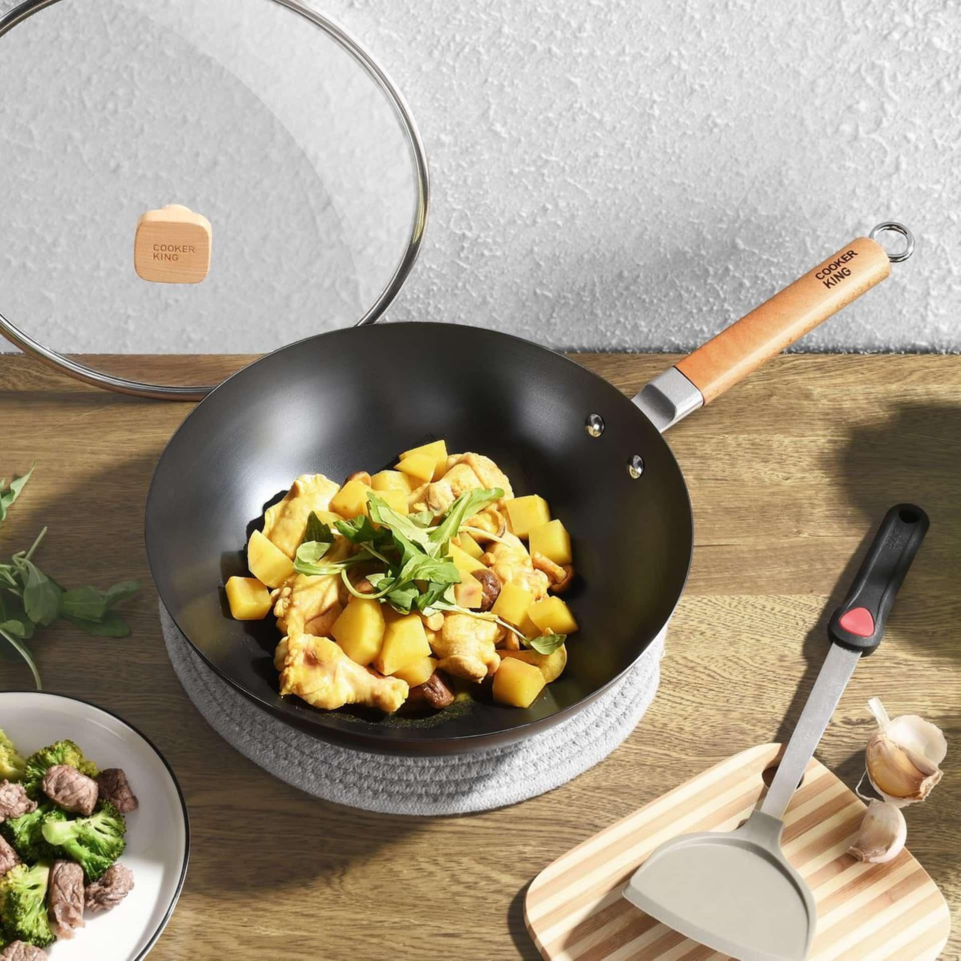 Ein guter Wok gehört zur Grundausstattung für die asiatische Küche