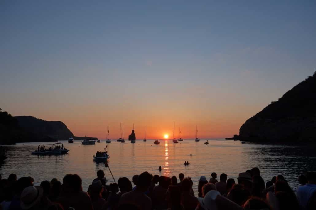 Ibiza Sehenswürdigkeiten - cala benirrás